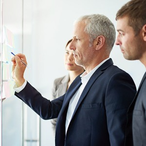 service designer provides the option of easily configuring IT services and their corresponding connections to all forms of technically based IT assets, such as servers, database instances, databases, storage components, networking components etc